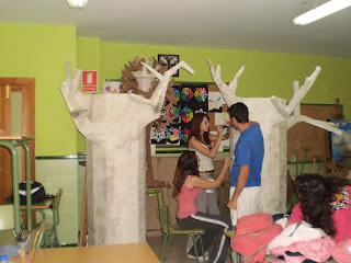 Blog del ies poetas andaluces decoraci n para el teatro - Casa emilio benalmadena ...