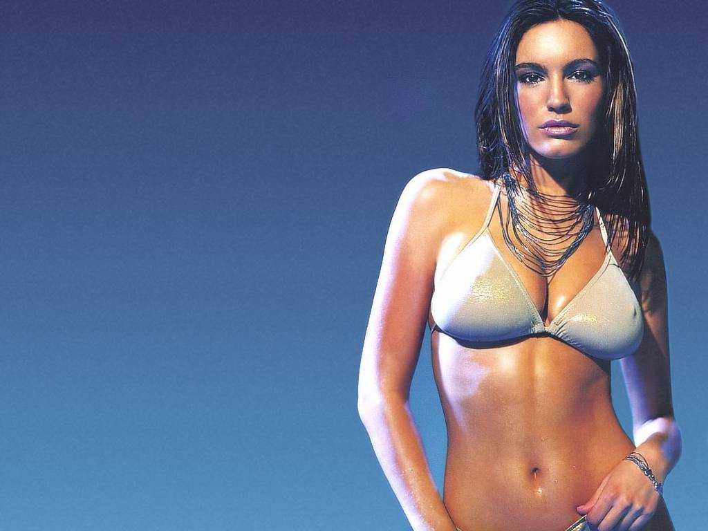 http://4.bp.blogspot.com/-cpx5cTGYqkQ/TeDtZD9BEuI/AAAAAAAABW4/d1lzJZqKmzc/s1600/Kelly_brook_hot_wet_body.jpg
