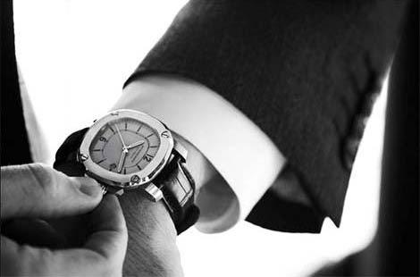 model jam tangan pria populer trendy ngetrend tahun ini 2014