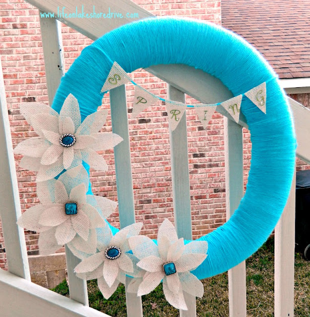 Spring yarn wreath with burlap flowers and bunting tutorial, fabric stiffener, how to, diy