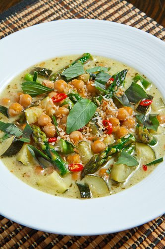 Asparagus, Zucchini and Chickpea Green Curry on Closet Cooking