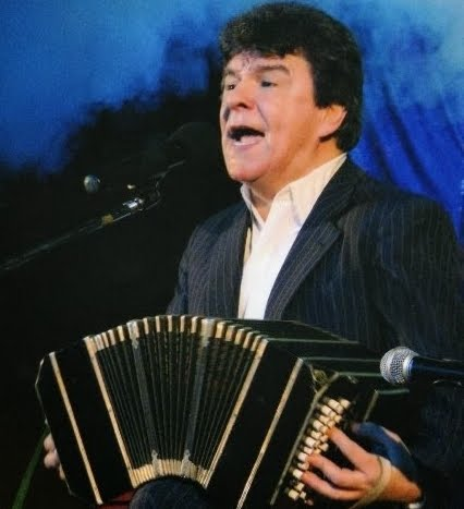 * Carlos Morel, cumple años!