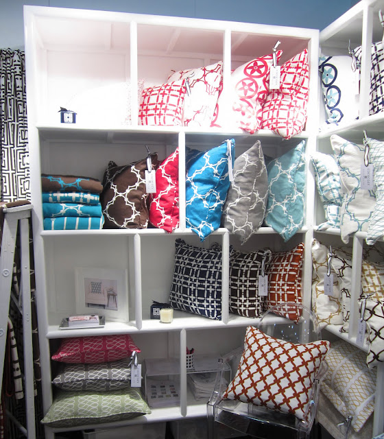 New colorways for the classic linen collection at the New York International Gift Fair