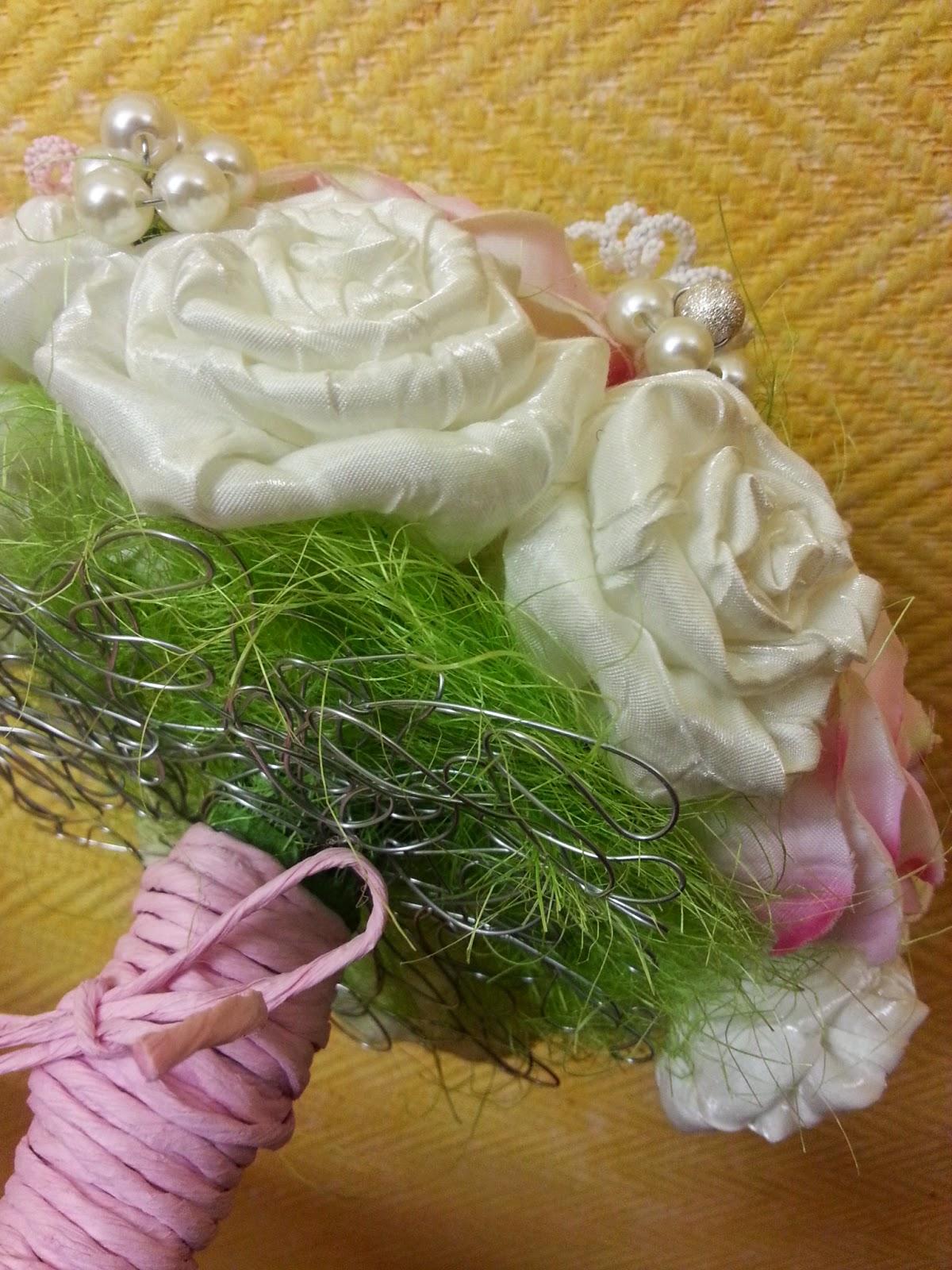 ramo para novia estilo vintage con base alambrada de forma original