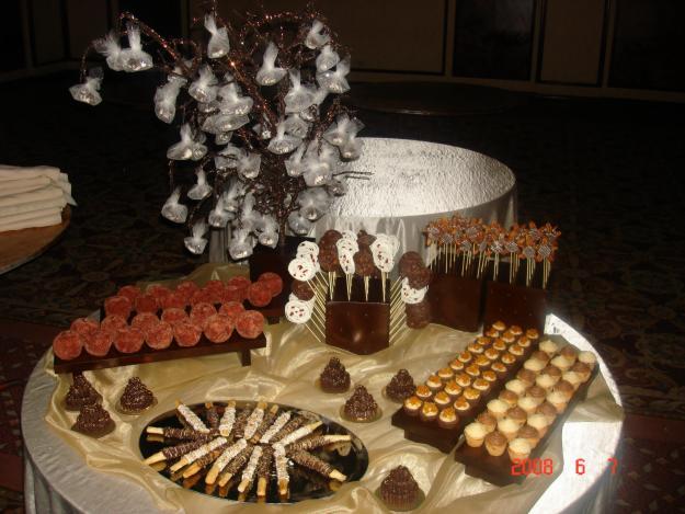 Mesa de postres y dulces imagui for Mesa de postres para boda