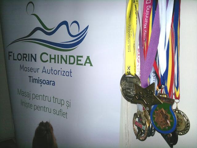 Maseur oficial la Maraton Arad 2015. O nouă participare, un nou rol, acelaşi eveniment frumos de alergare. Banner şi Medalii