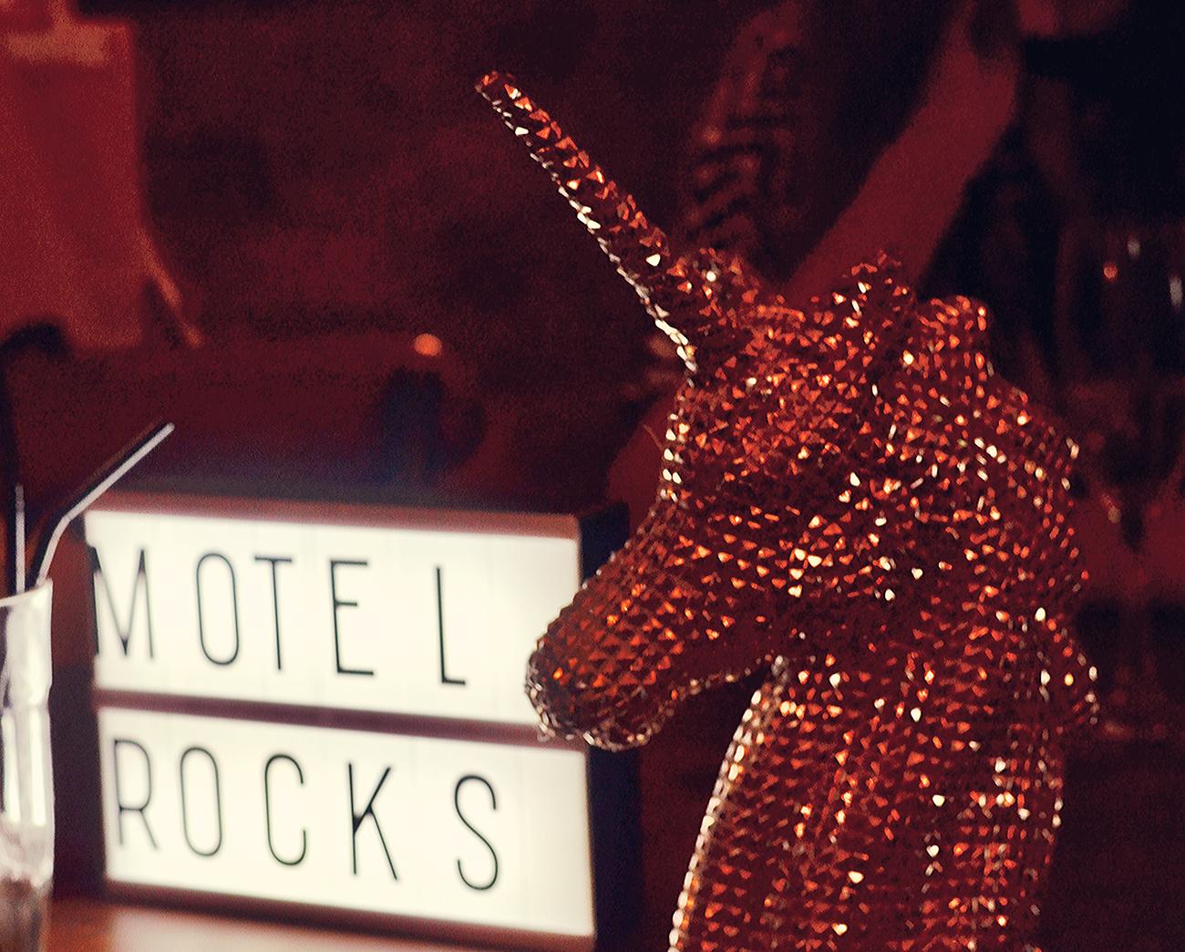 motel rocks christmas party