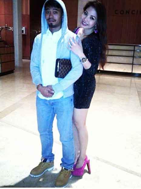 Gambar Syafiq Rahim Bersama Kekasih Zandra Aziela