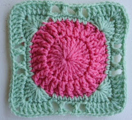 http://translate.googleusercontent.com/translate_c?depth=1&hl=es&rurl=translate.google.es&sl=en&tl=es&u=http://crochetincommon.blogspot.com.es/2012/09/hugs-wheel-6in-square.html&usg=ALkJrhic9fCin4G21dqnz7DrN4Iz5aERjw