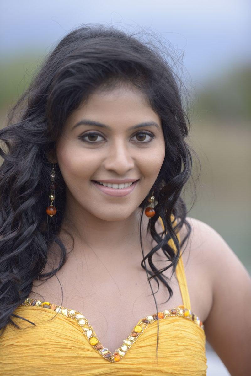 Anjali Latest Photos from Crazy Movie