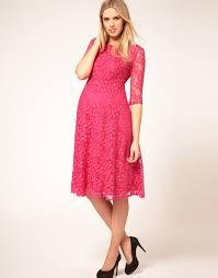 vestido de renda rosa para grávidas - dicas e fotos