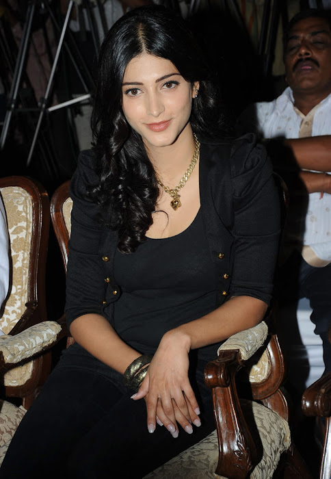 shruthi han at 7th sense movie launch unseen pics