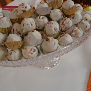 موقع الذ وصفات الطبخ: حلو كرات الكيك الصغيرة
