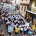 """Alumnos realizan caminata  """"Por la vida y por la paz"""""""