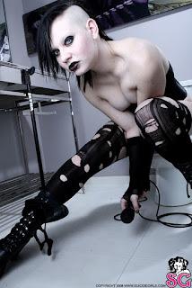 Sexy Pussy - Beau_%2528SG%2529_Coma_White_23.jpg