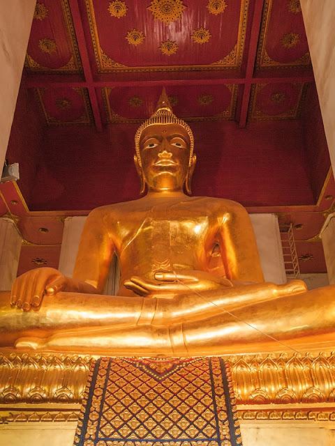 Złoty Budda w Tajlandii
