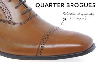 Quarter Brogue với ít chi tiết hơn ở phần mui giày
