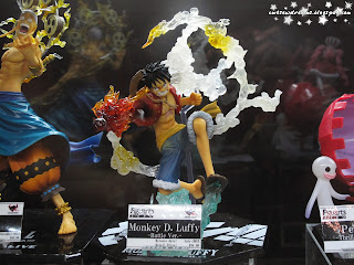 monkey d luffy,one piece,ワンピース,pirate hunter zoro,straw hat pirates,viz manga,viz,viz media,bandai,figurine,collectibles,sculpture,art,