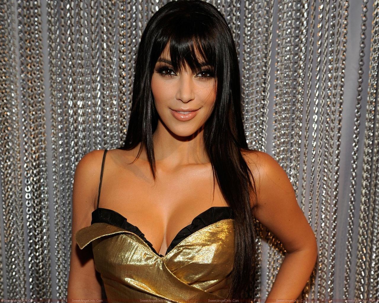 http://4.bp.blogspot.com/-cs65niZmIyM/TXtN-X-1yII/AAAAAAAAFdc/aCBnZ3pEWDA/s1600/actress_kim_kardashian_hot_wallpaper_sweetangelonly_41.jpg