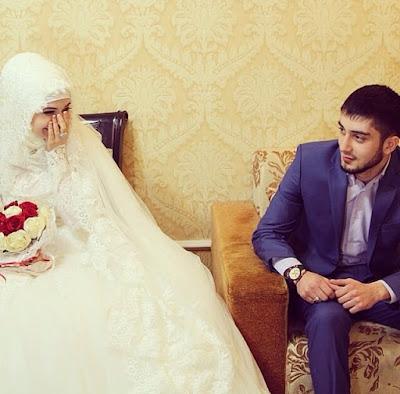 8 Sifat Suami yang Sangat Disenangi Oleh Istri