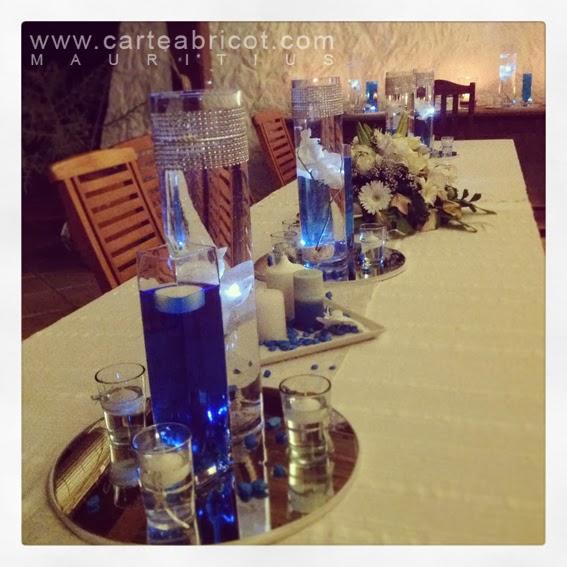 Mariage bleu carte abricot wedding planner l 39 ile maurice - Centre de table bleu turquoise ...