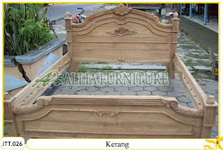 Tempat tidur ukiran kayu jati Kerang