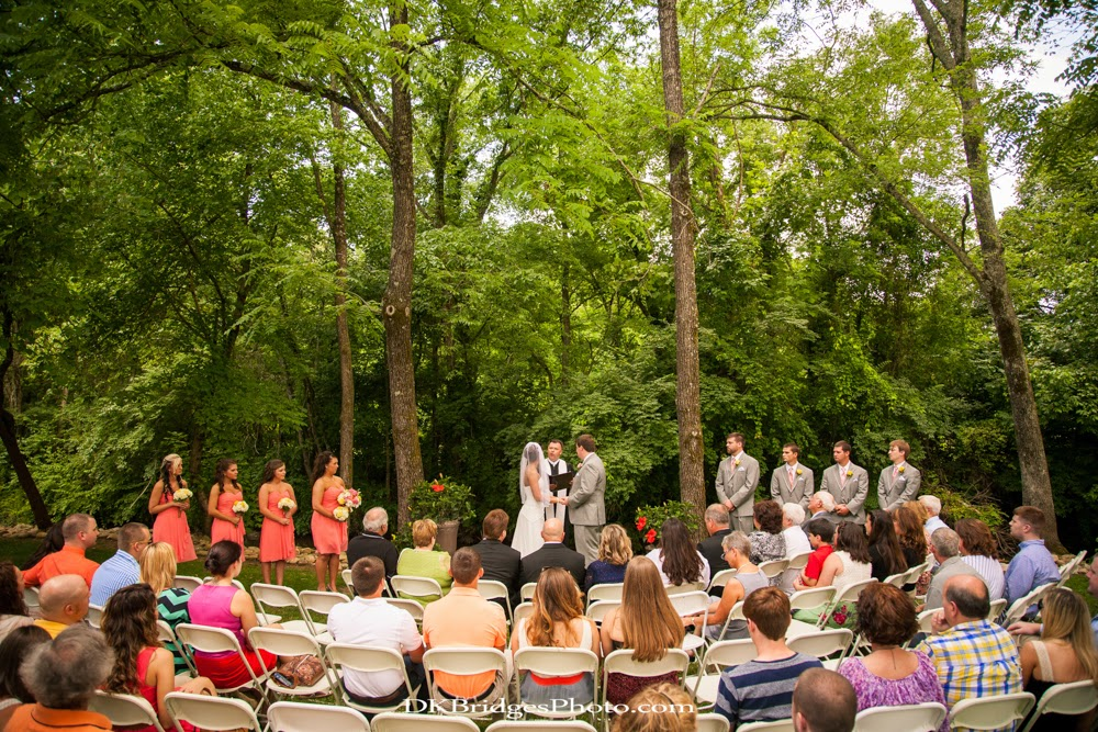 IMAGE: http://4.bp.blogspot.com/-csoIdI8ZbtI/U6rchUa2ATI/AAAAAAAAPMo/cmSxLgTej8o/s1600/wedding+edits+FINALS+web+(184+of+335).jpg