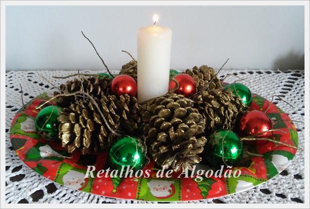Centro de mesa para decoração de Natal aproveitando os materiais que já tinha em casa.