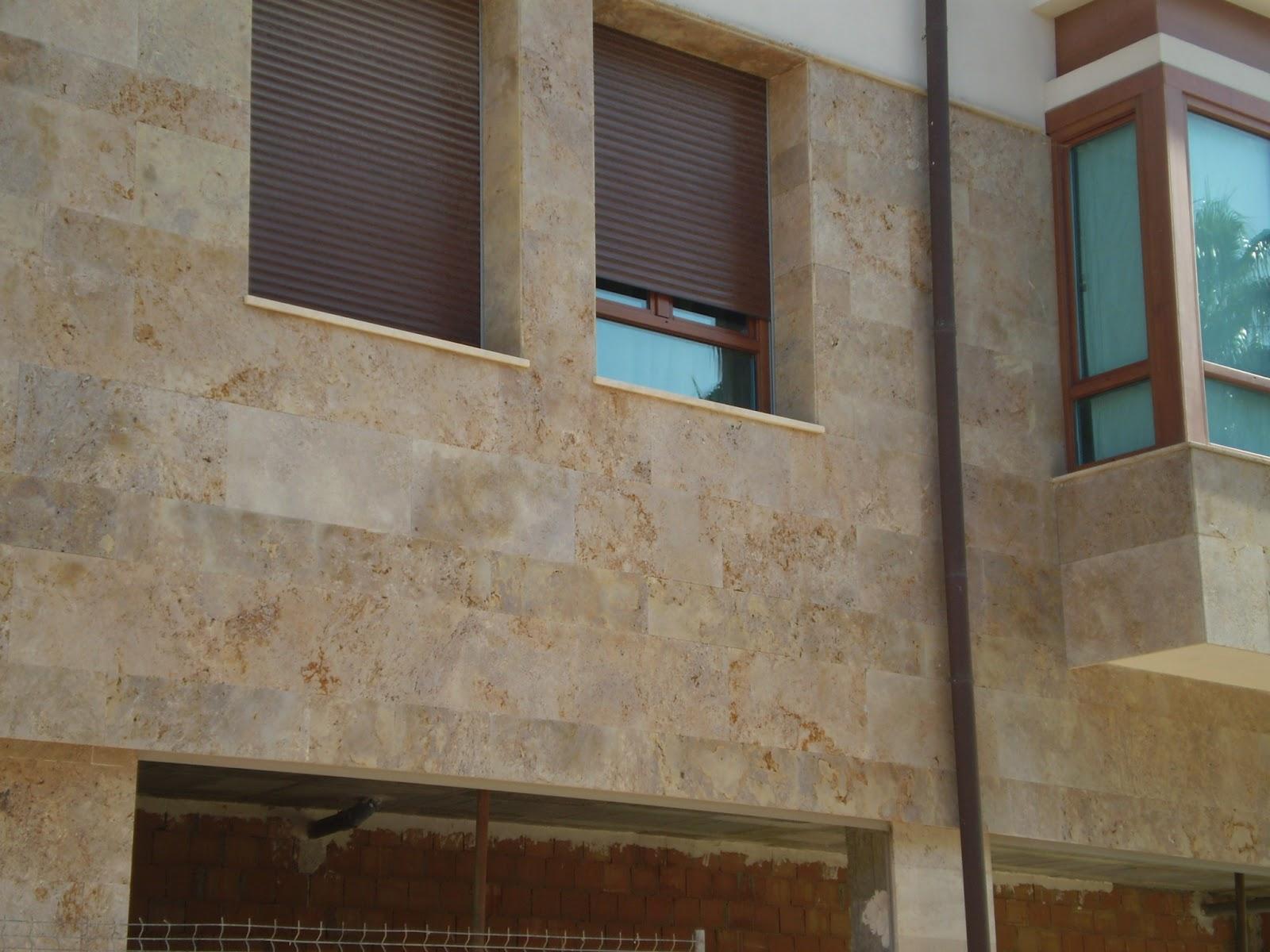 Piedra para todos opciones del travertino en fachada for Marmol travertino gris