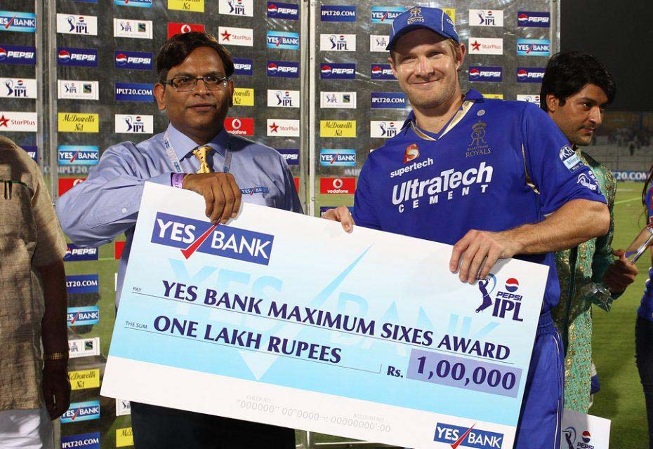 Shane-Watson-Maximum-Sixes-Award-RR-vs-SRH-IPL-2013