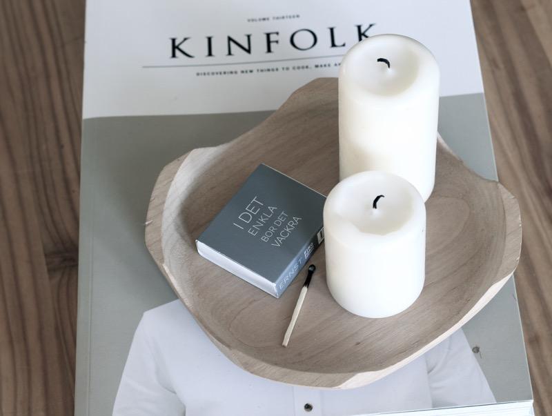 kinfolk lehti ja valkoiset kynttilät