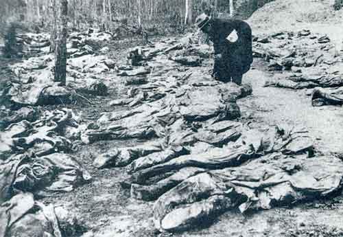 http://4.bp.blogspot.com/-ctCUGtrDwnI/T-jDAnrLPeI/AAAAAAAABcY/-Lyt95RVfRo/s1600/katyn_wood_massacre.jpg