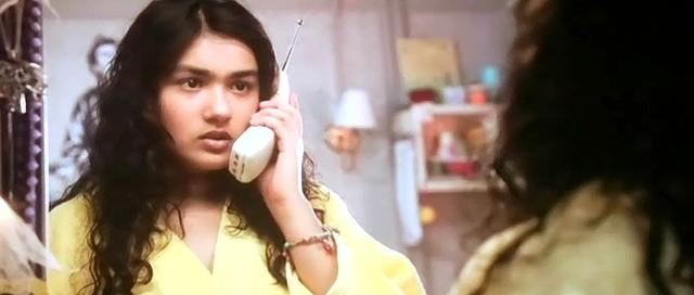 Screen Shot Of Hindi Movie Gippi (2013) Download And Watch Online Free At World4ufree.Org