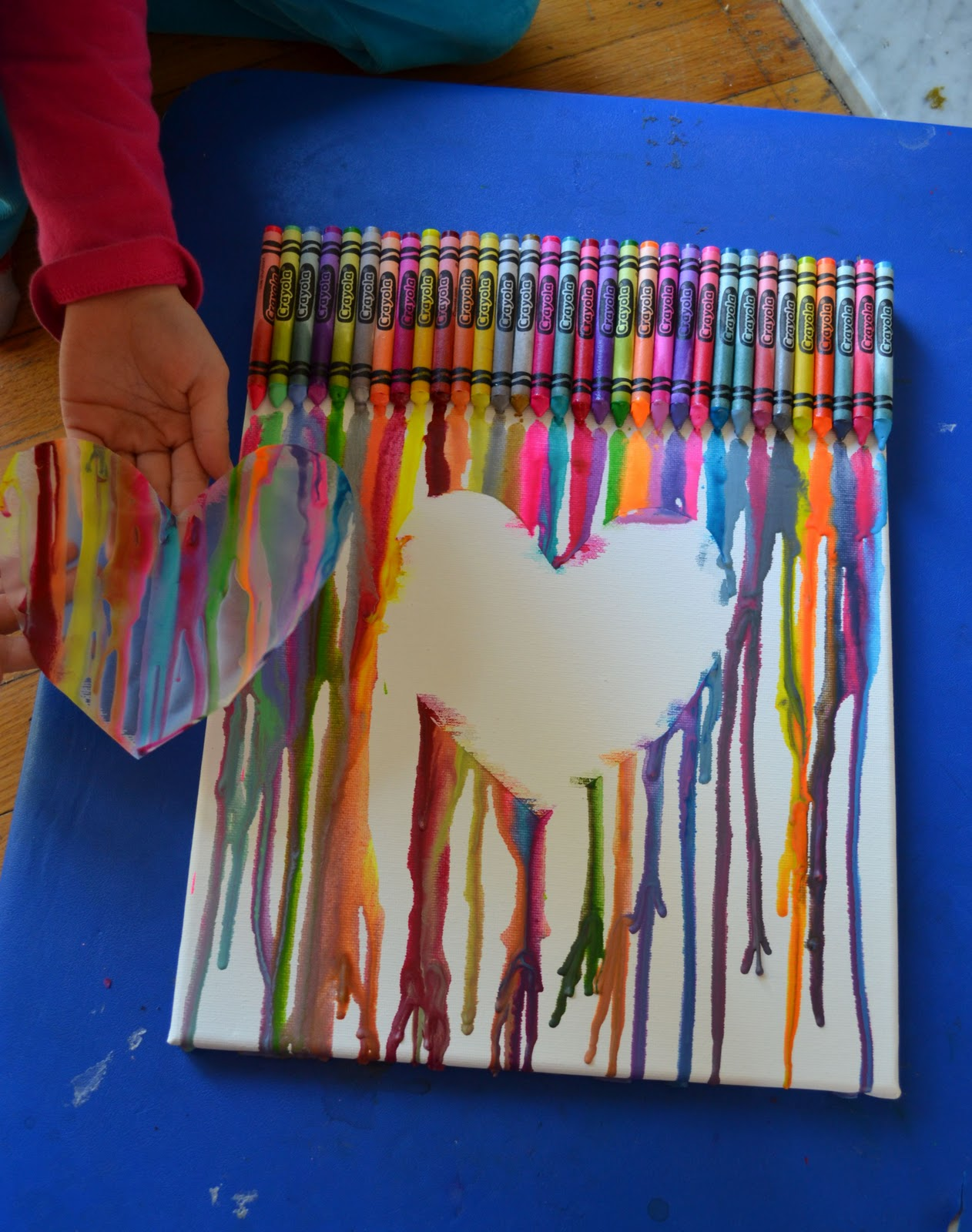 Come together kids melted crayon canvas for Crayon diy canvas