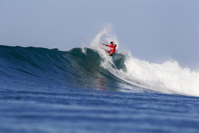 43 Filipe Toledo Hurley Pro at Trestles Foto WSL Brett Skinner
