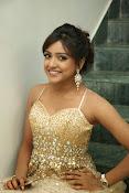 glamorous Vithika sheru new sizzling pics-thumbnail-10