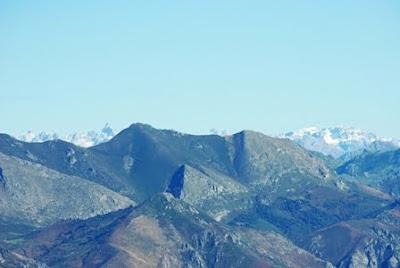 Aller, pico La Teyera, vista del Macizo Central de los Picos de Europa desde la cima