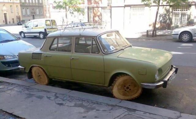 [ENTRETENIMIENTO] Un poquito de cachondeo Un+coche+con+ruedas+de+madera