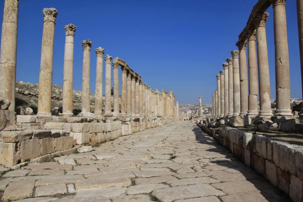 http://opdagelsesrejser.blogspot.dk/2014/01/jerash-en-romersk-by-i-jordan.html