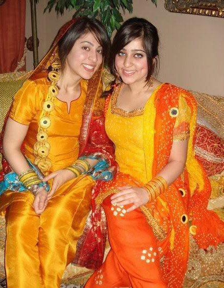 403526 356977801023318 1177165232 n Pakistani College Girls Pictures