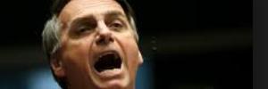 Atacante se defende após publicar foto com Jair Bolsonaro