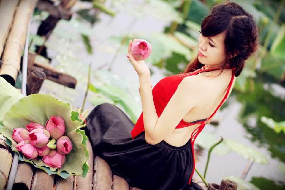 Girl xinh với áo yếm xưa 3