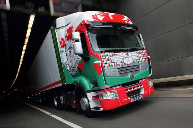 fotos de camiones renault premium bandera escocia