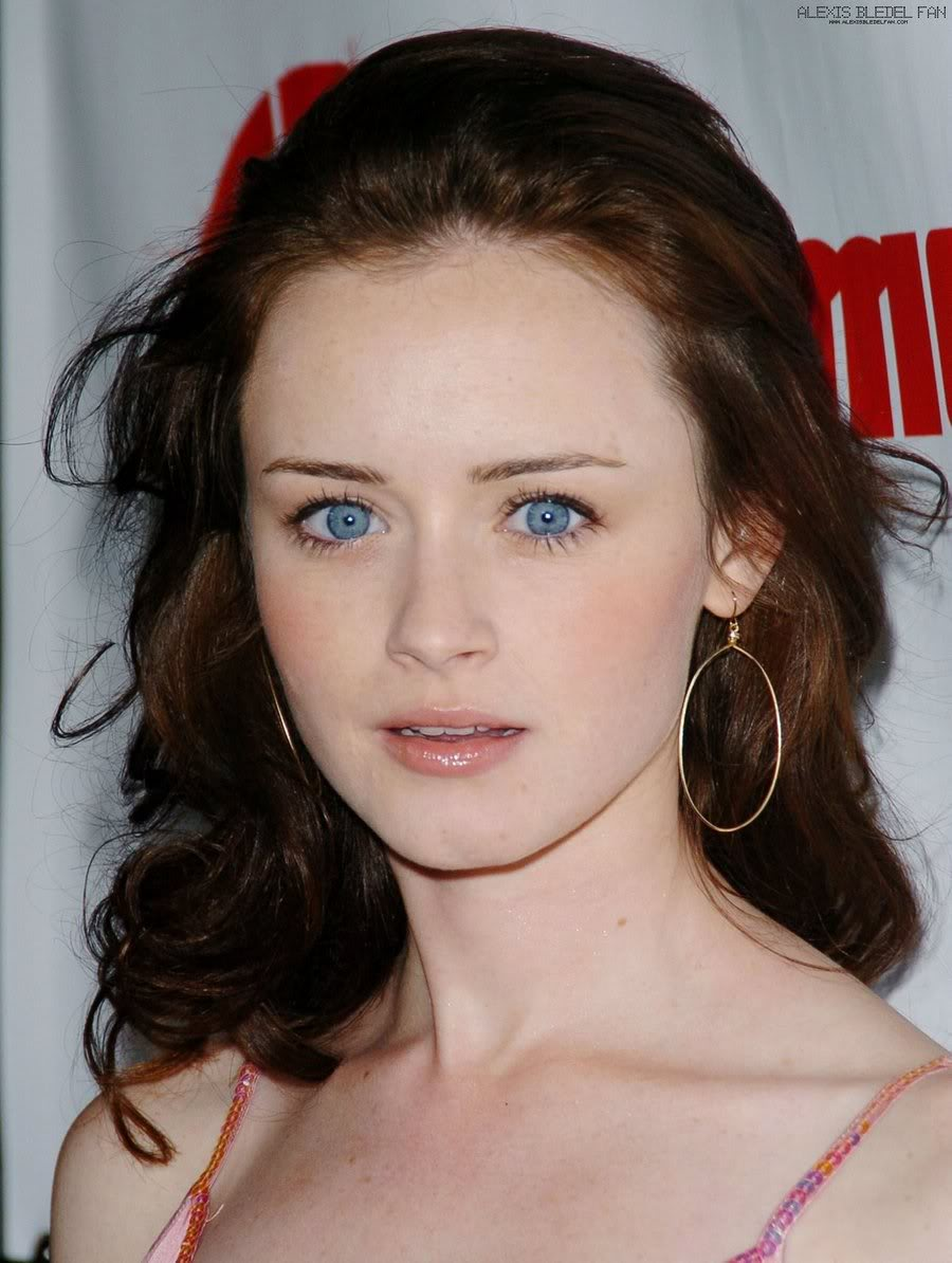 Hair Style Trends Makeup for Virgo Women Alexis Bledel-16