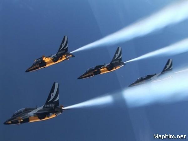Biệt Đội Tiêm Kích - R2b - Return To Base, Soar Into The Sun 2012