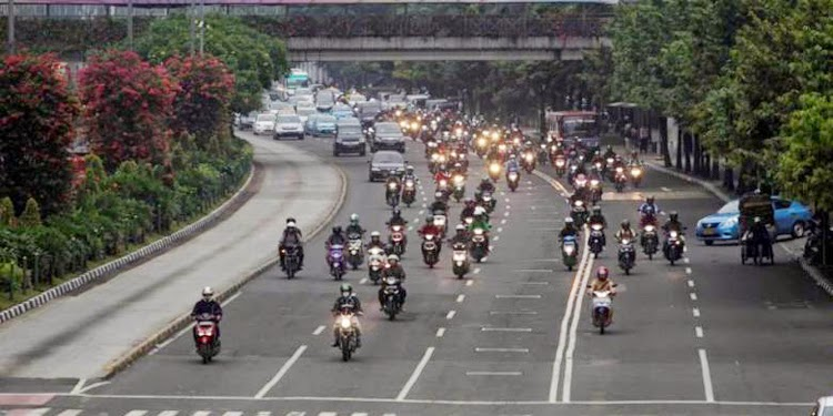 Motor Boleh Melintas di Jl Thamrin Pukul 23.00-05.00