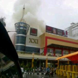 Kebakaran di Duta Mall rabu 8 Mei 2013