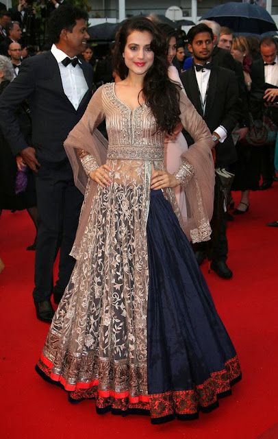 Amisha Patel in Blue Net Leenga