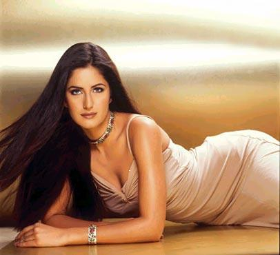 wallpaper katrina kaif 2011. kaif wallpaper 2011