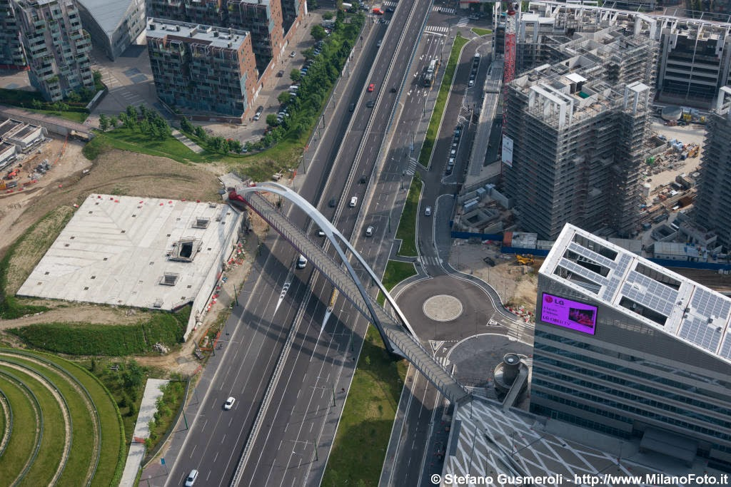 Urbanfile milano milano volando sulla citt per cantieri for Viale serra milano